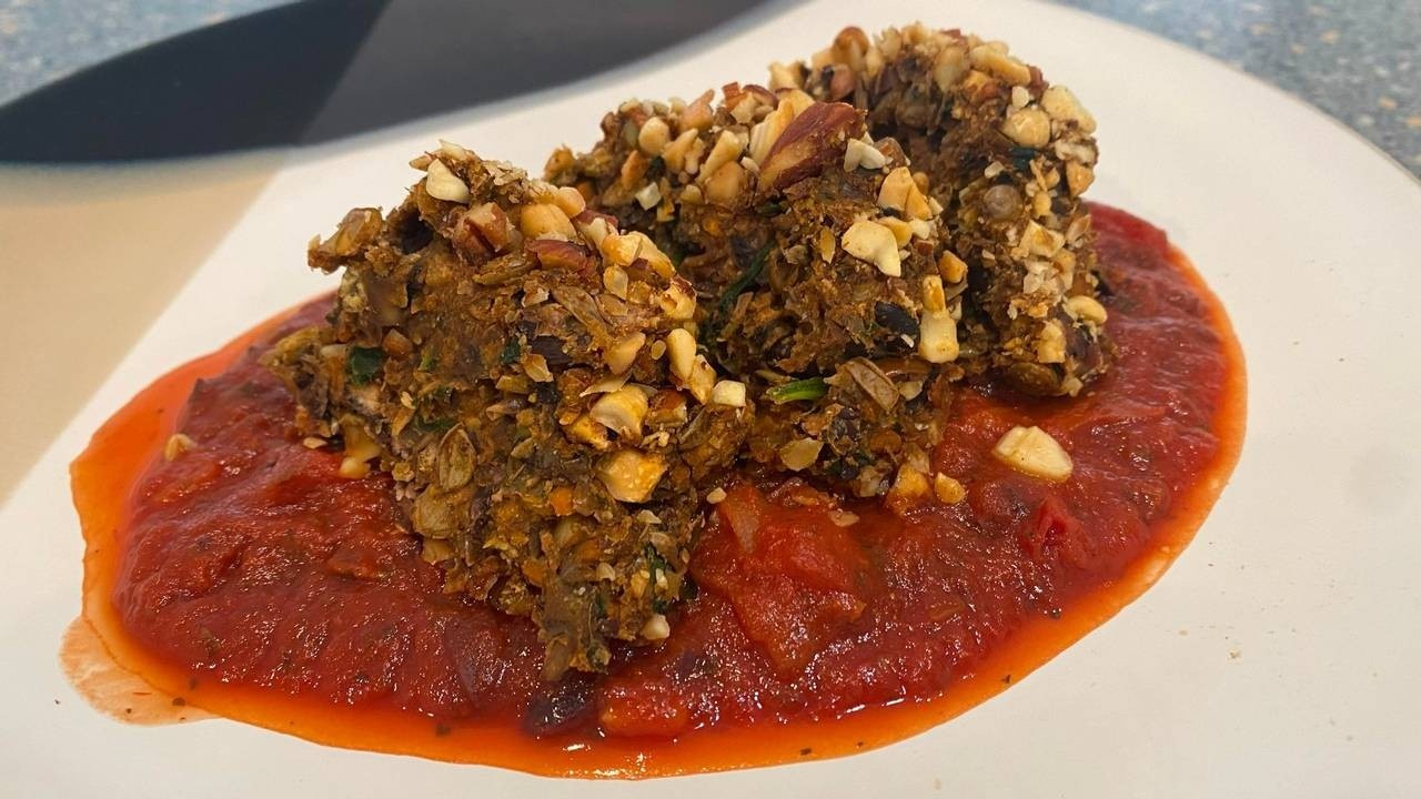 I thought this nut-crusted lentil loaf is appropriate for the holidays
