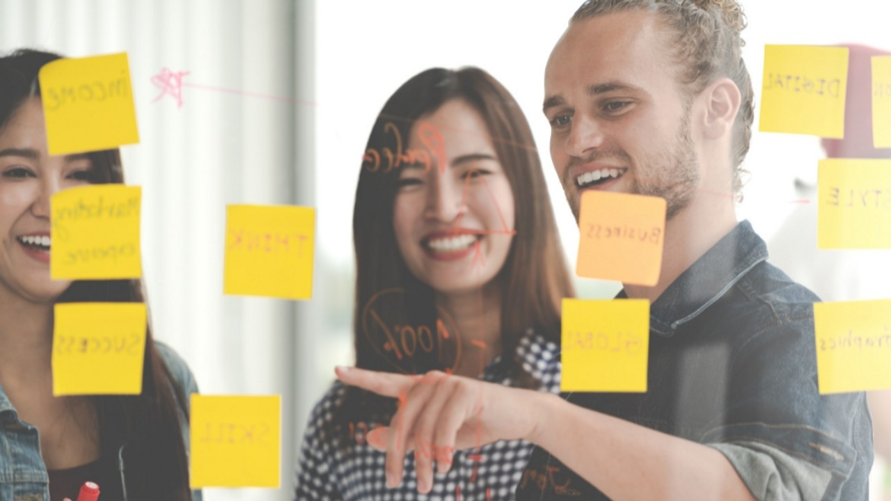 From building up leaders to building up teams, Social and Emotional Intelligence has proven to be a game-changer for the top performing organisations.