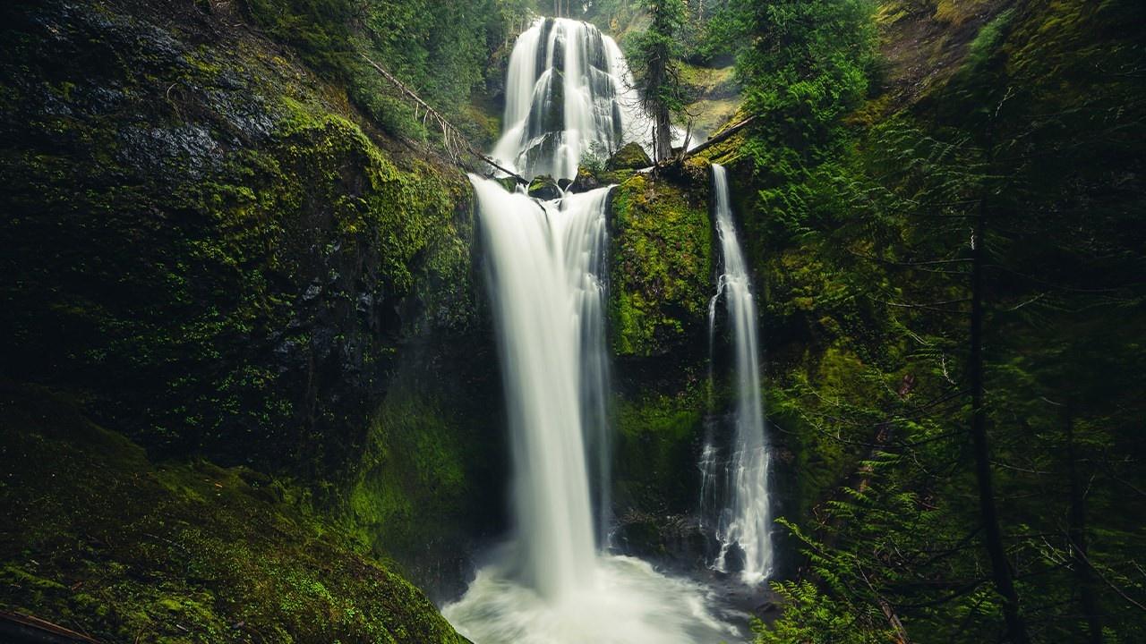 Falls Creek Falls in Washington