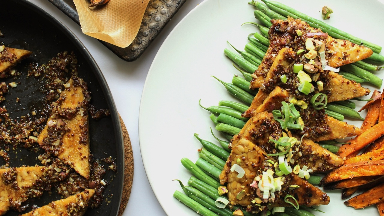 Maple and Mustard Glazed Tempeh with Crunchy Pistachios and Scallions