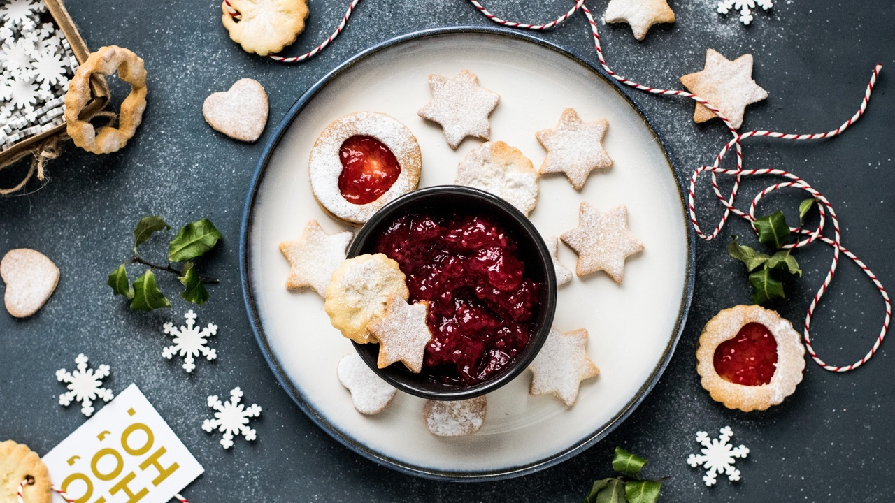 Kitchen Hacks and Tricks for Making Traditional Holiday Favorites