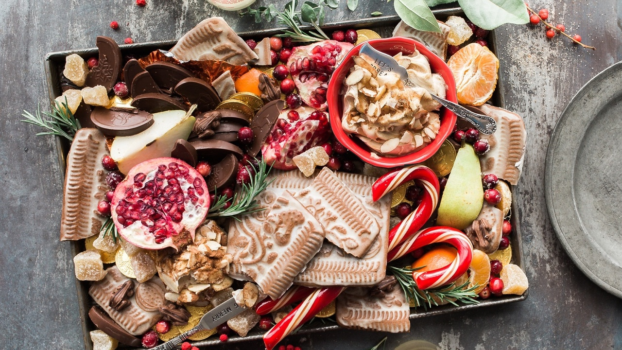 Navigating Food, Body Image Issues, Comments and Diet Talk during the Holidays