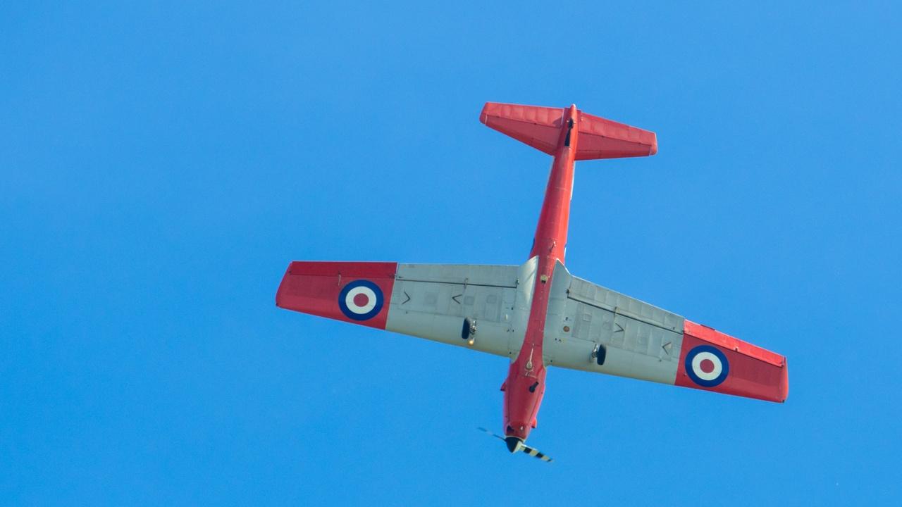 The Disruptors Club De Havilland Chipmunk Aerobatics