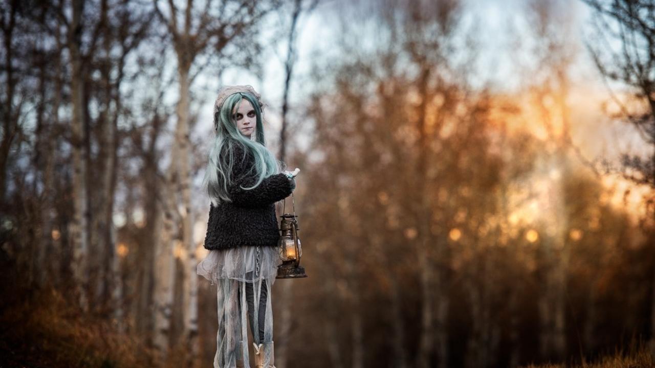 How to take Halloween photos
