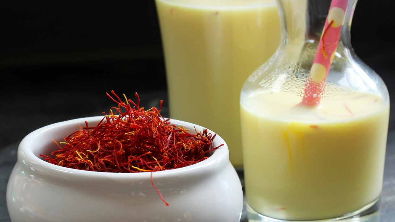 Ayurveda Date Milk Shake