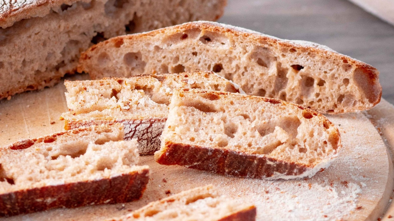 Step-by-Step Guide To Your First Sourdough Bread