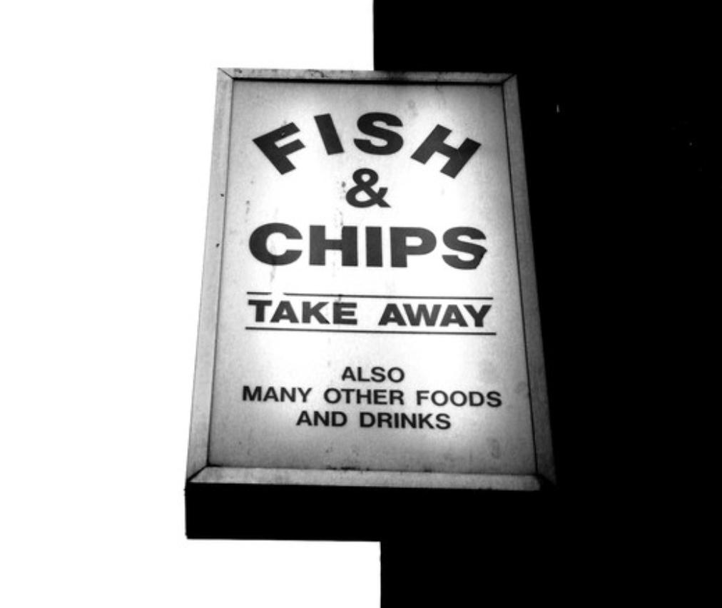 「フィッシュ&チップスのお持ち帰り」の看板