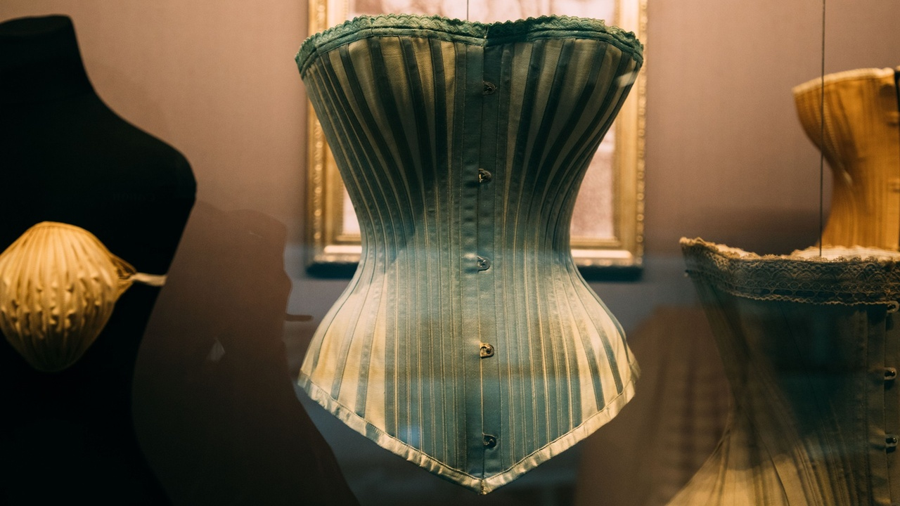 How The Invisible Corset Disconnects Women From Their Bodies