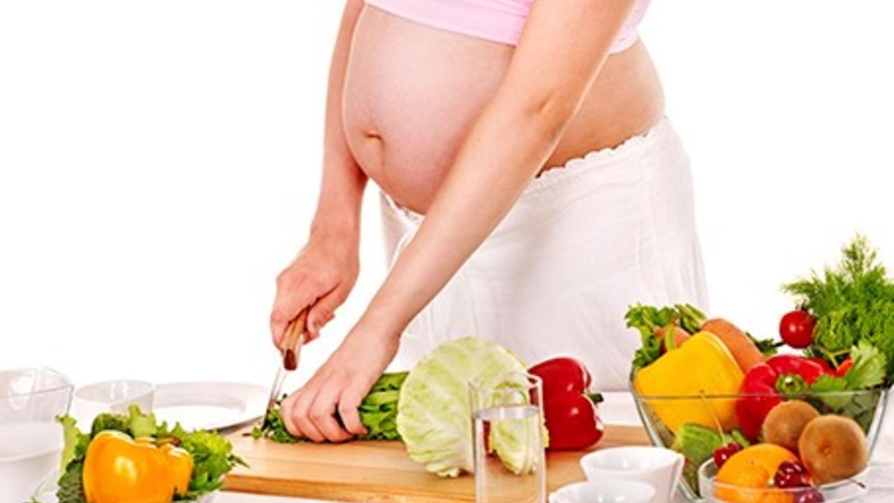 Why Eat Organic in Pregnancy? What Monsanto doesn't want you to know.