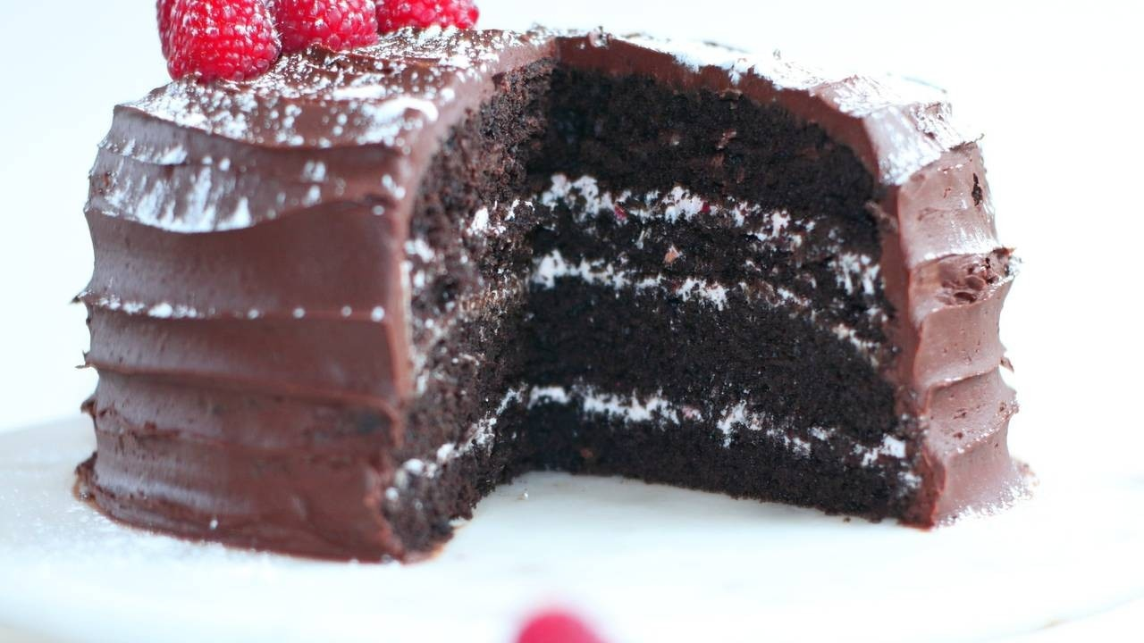 CHOCOLATE RASPBERRY CAKE {VEGAN}
