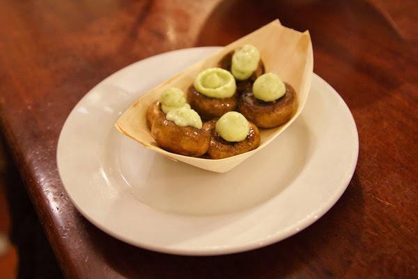 Mushrooms with garlic and parsley aioli
