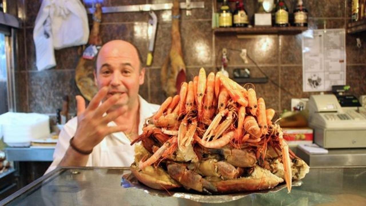 mariscada or seafood plater at Ribeira do Miño, Madrid seafood restaurant