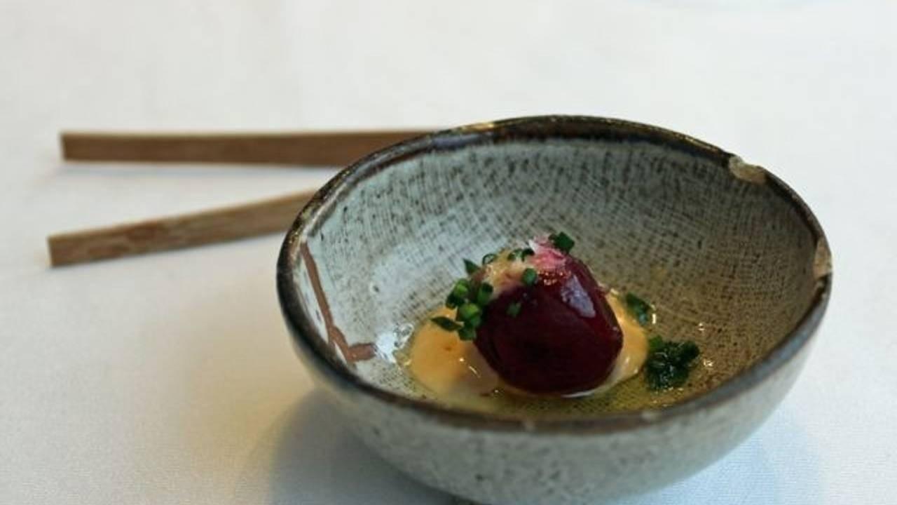 Boiled beetroot dish at Bahía Taberna, Madrid restaurant