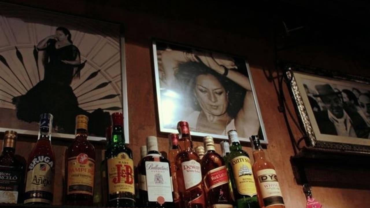 Decor in Callejón de Madrid, a Madrid flamenco bar
