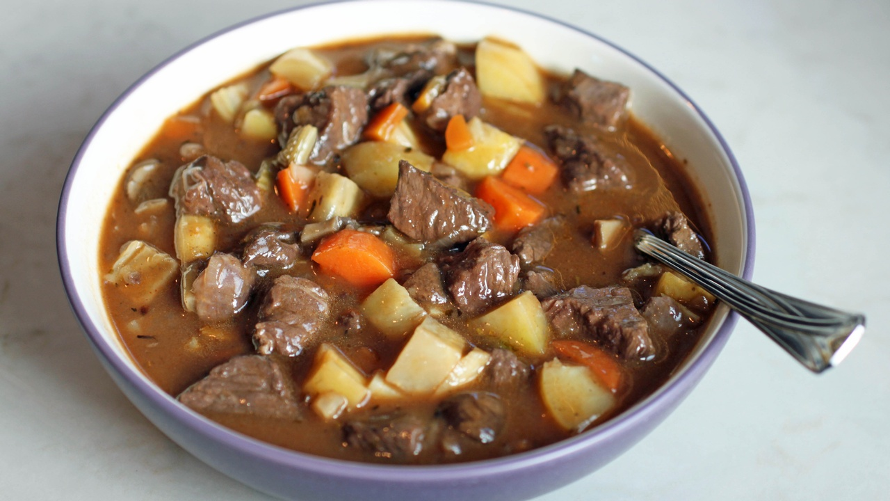 Lamb Stew with Mushrooms and Red Wine