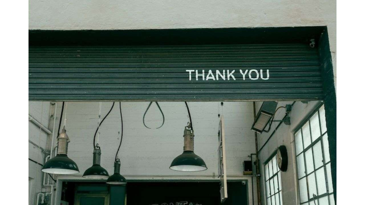 Thank you gate and lamps