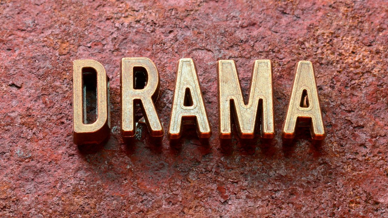 Niche drama