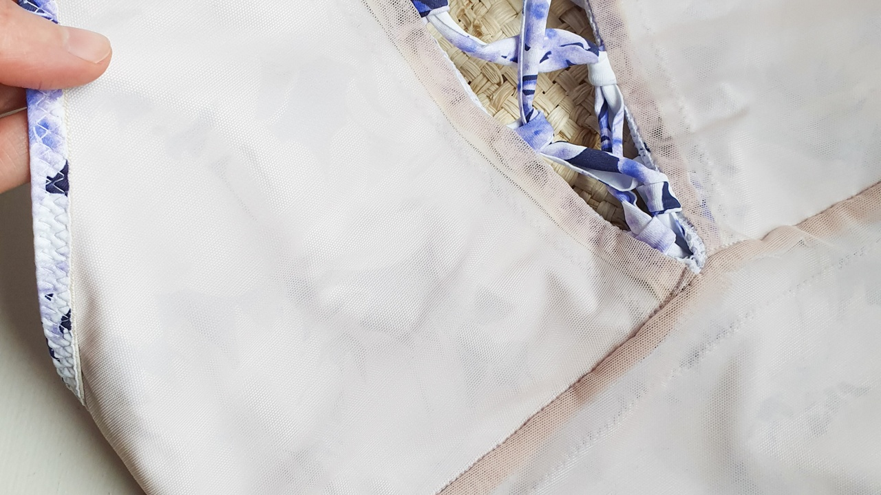 voering in een badpak naaien