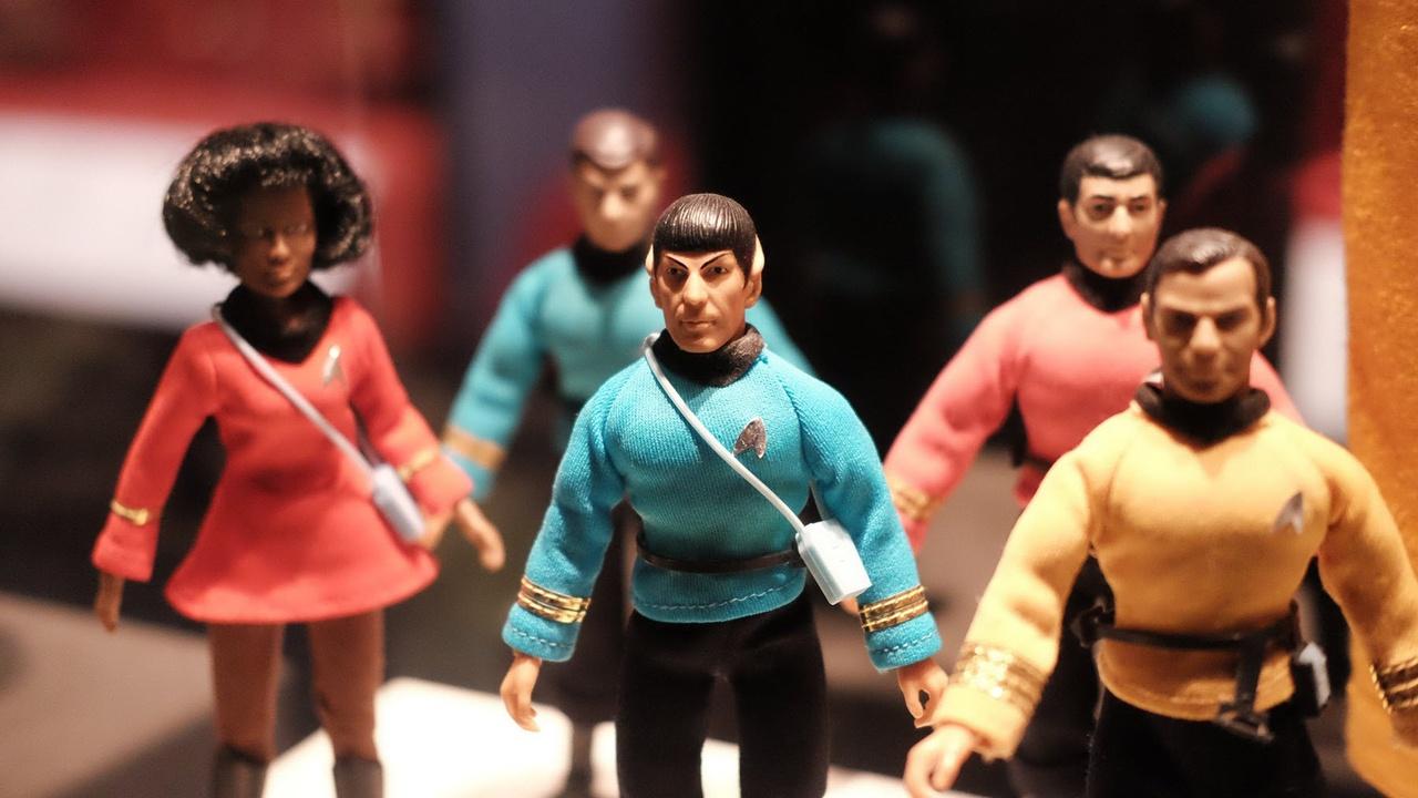 Star Trek cast miniatures