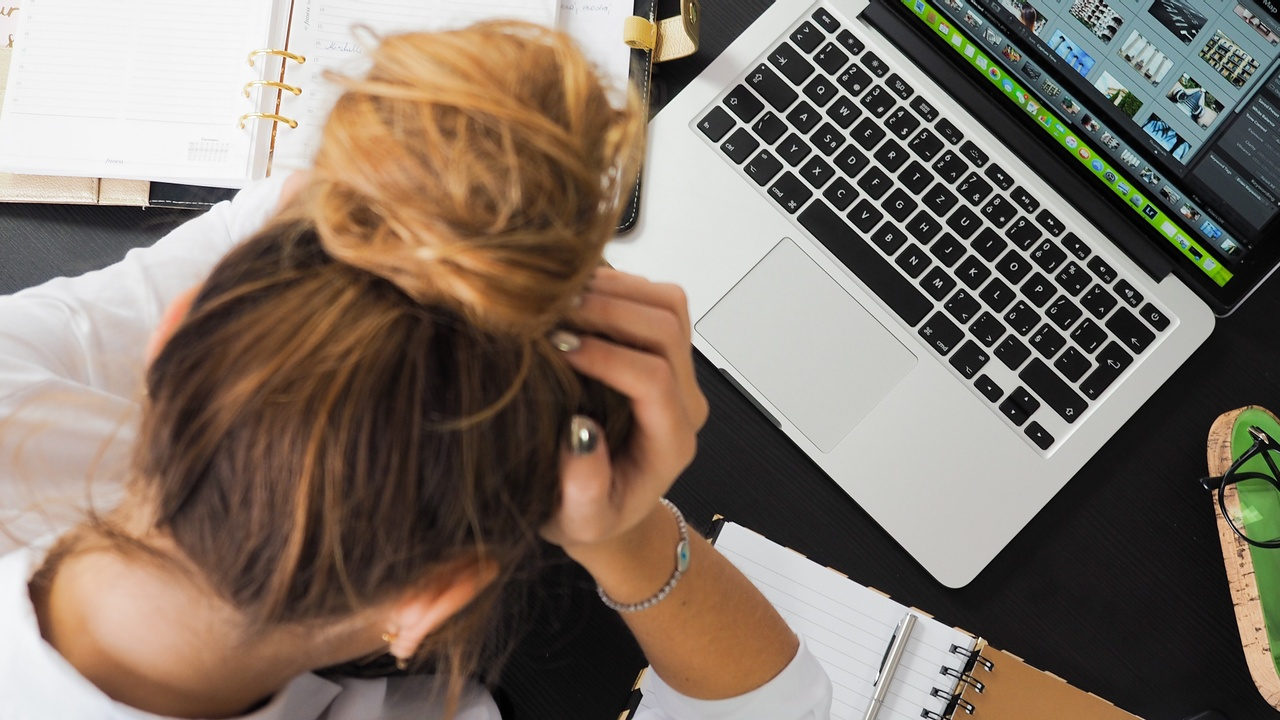 OVERCOME THE ACCOUNTING HEADACHE WHEN STARTING YOUR BUSINESS