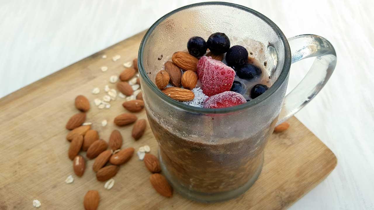 berry chia overnight oats