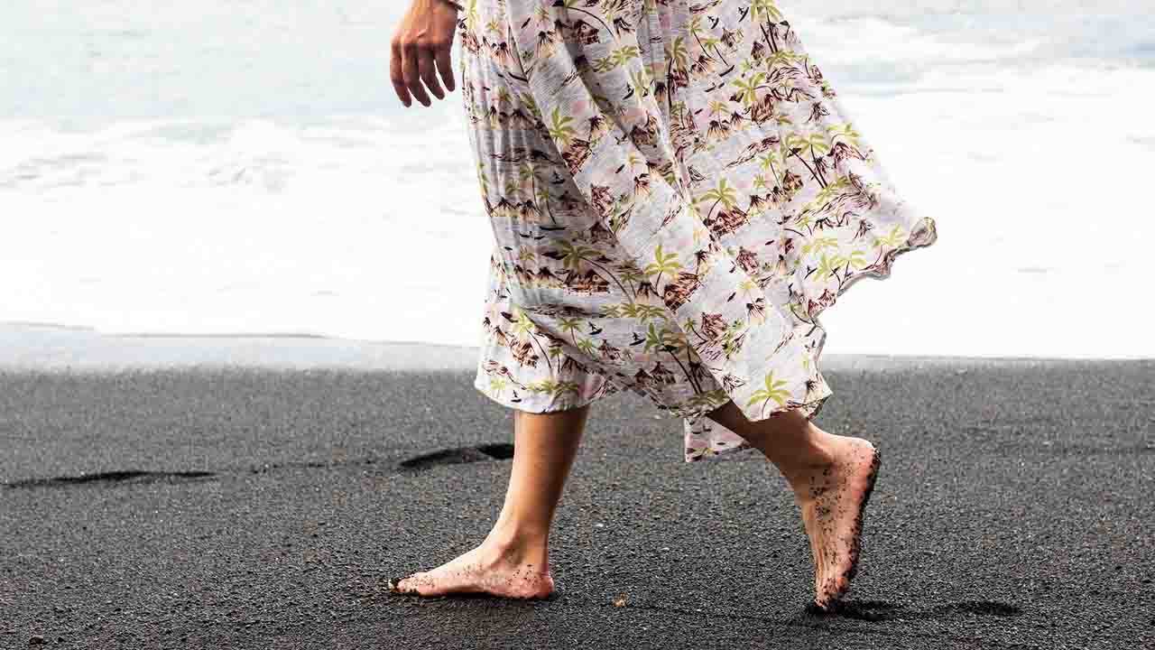 feet on earth grounding