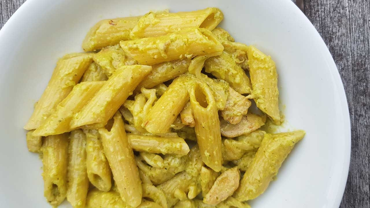 creamy chicken basil pasta