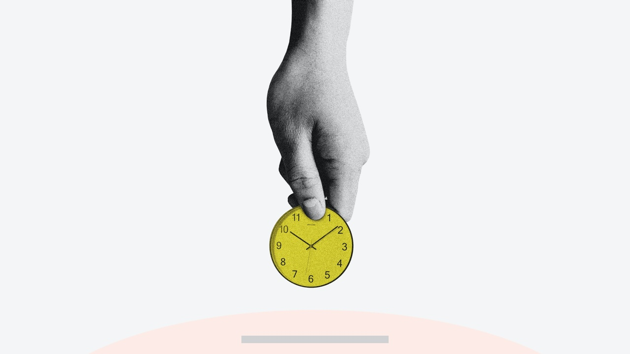 Image with clock alludes to person throwing away time