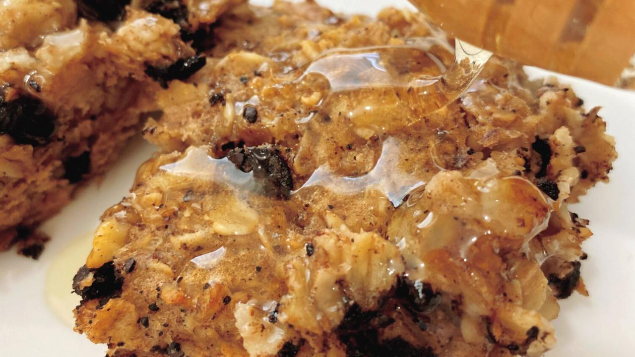 Carob oatmeal bake