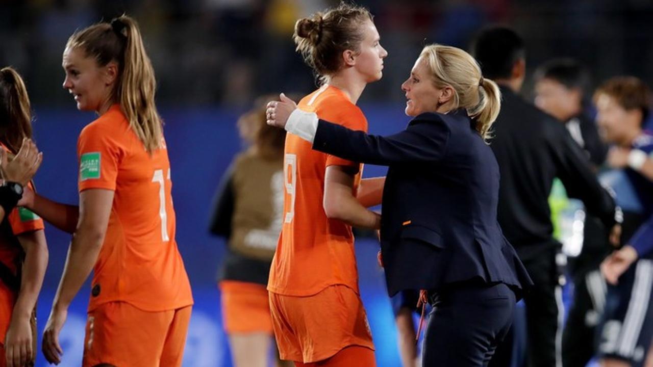 Sarina Wiegman through the eyes of Holland Football University