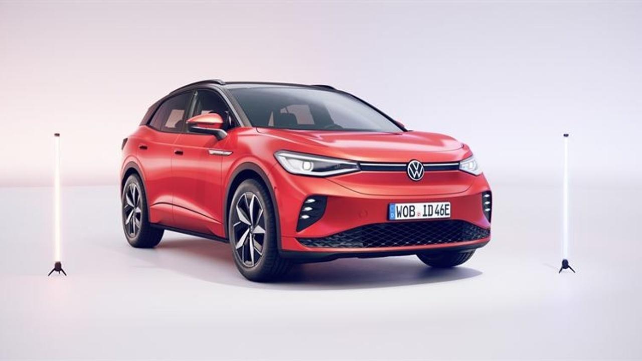 Volkswagen ID.4 GTX:n hinta alkaen 54 495,74 euroa. Toimitukset Suomeen alkavat syksyllä 2021