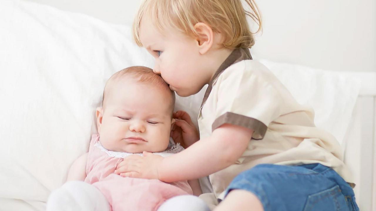 Bilingual babies bisous