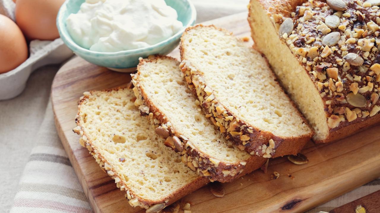 Bread with dip cream