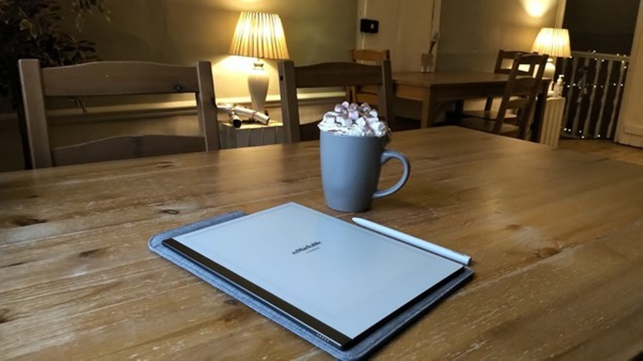 My new tablet and hot chocolate with marshmallows