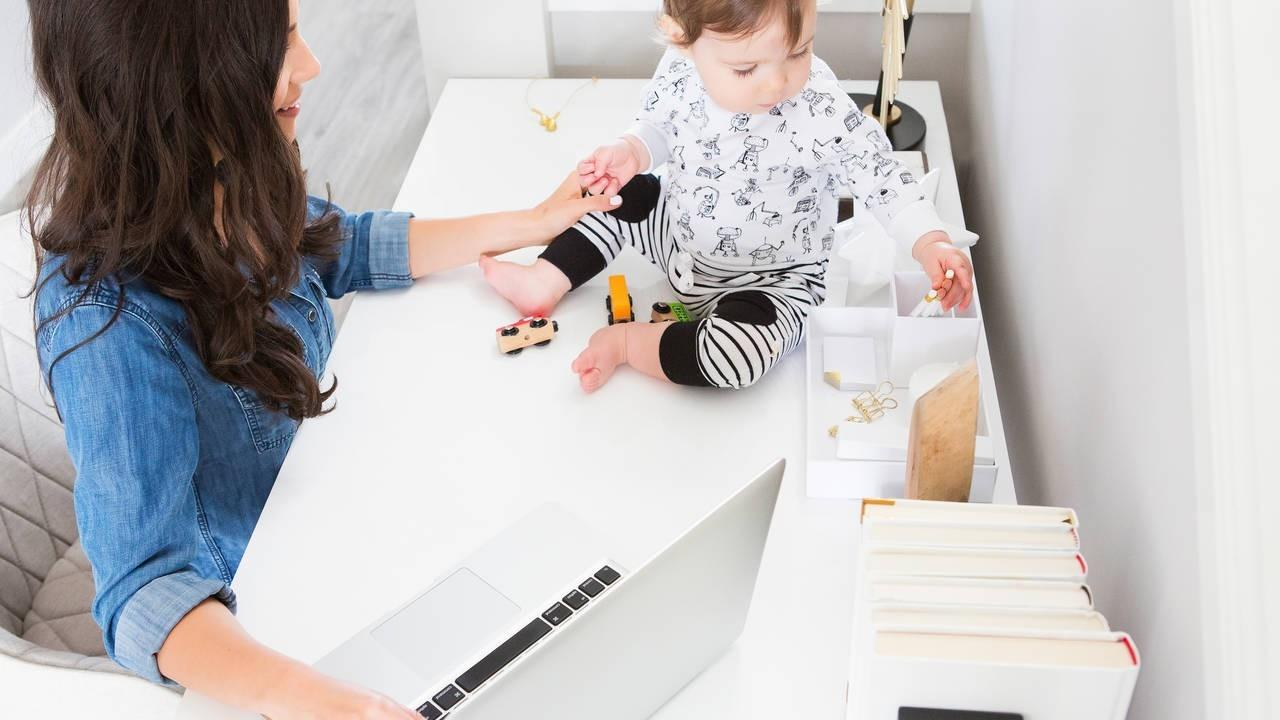 A Virtual Assistant Mom with Baby Working From Home