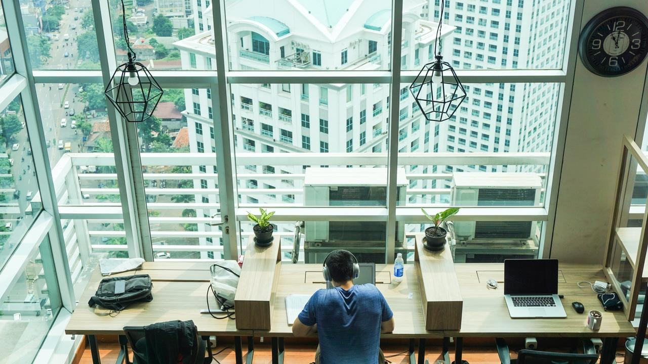 The first 6 steps of becoming a CRE solopreneur