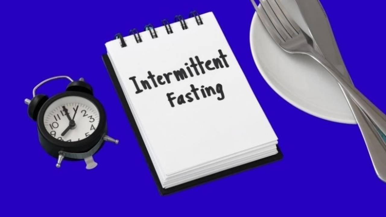 What is Intermittent Fasting - Notepad with Clock