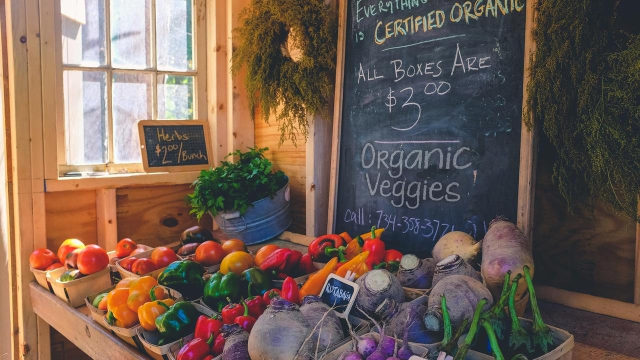 Organic Vs. Non Organic Veggies And Fruits