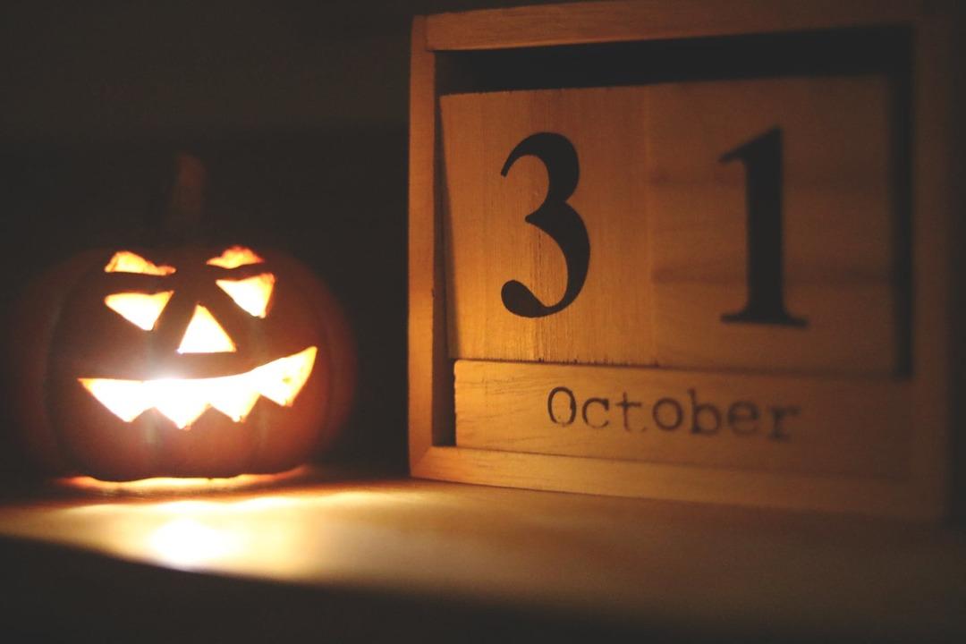 """calabeza-de-halloween-con-calendario"""""""