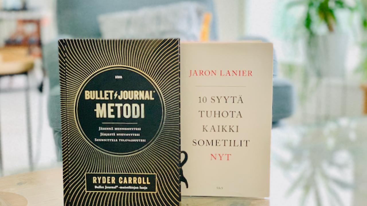 Bullet journal ja 10 syytä lopettaa kaikki sometilit nyt -kirjat
