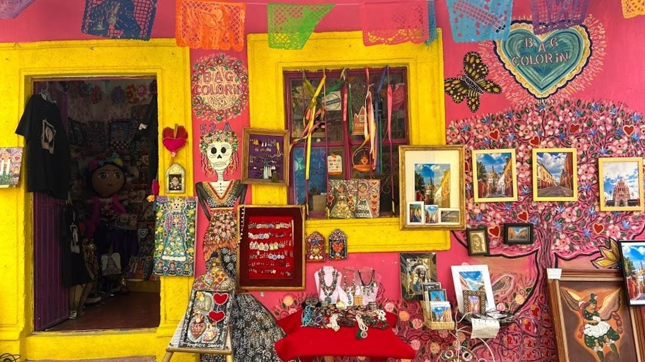 Colorful markets at the Artesan Market in San Miguel de Allende