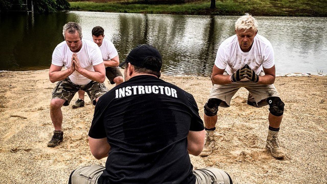 Instructor Billy is leading participants through Living Every Minute's Gladiator course.