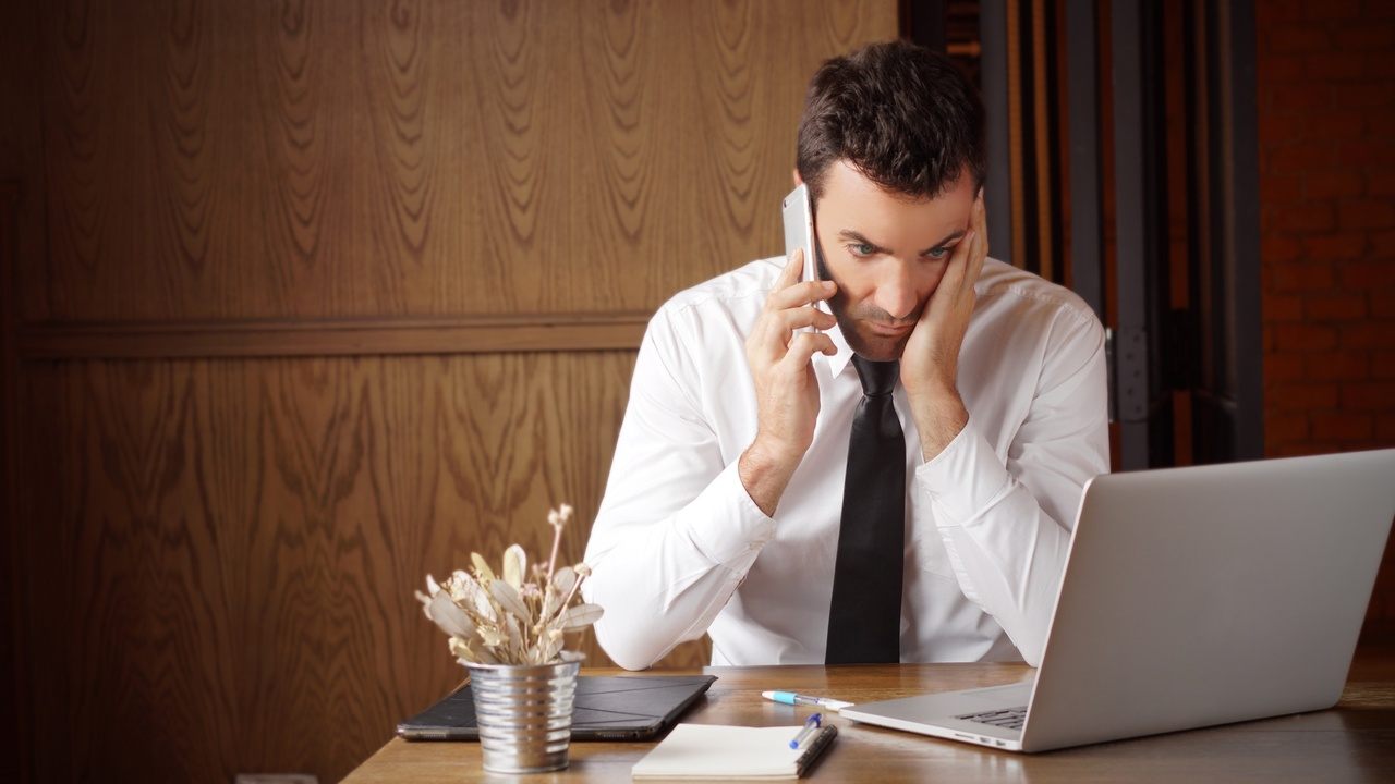 stressed manager dealing with difficult employee
