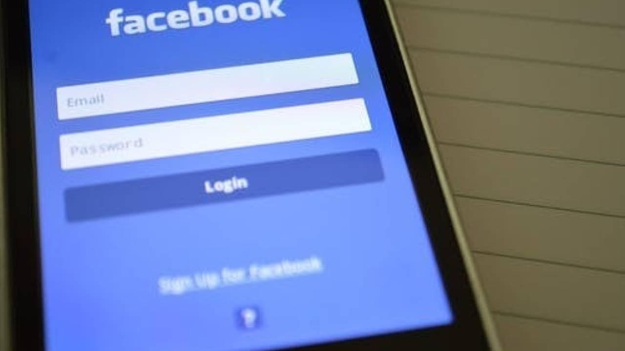 Facebook-Passage-Immigration