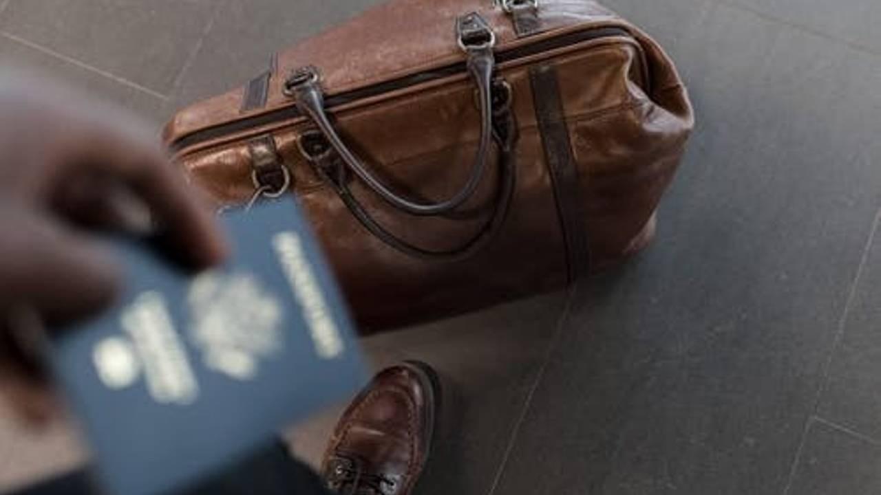Passage-Immigration-Passport