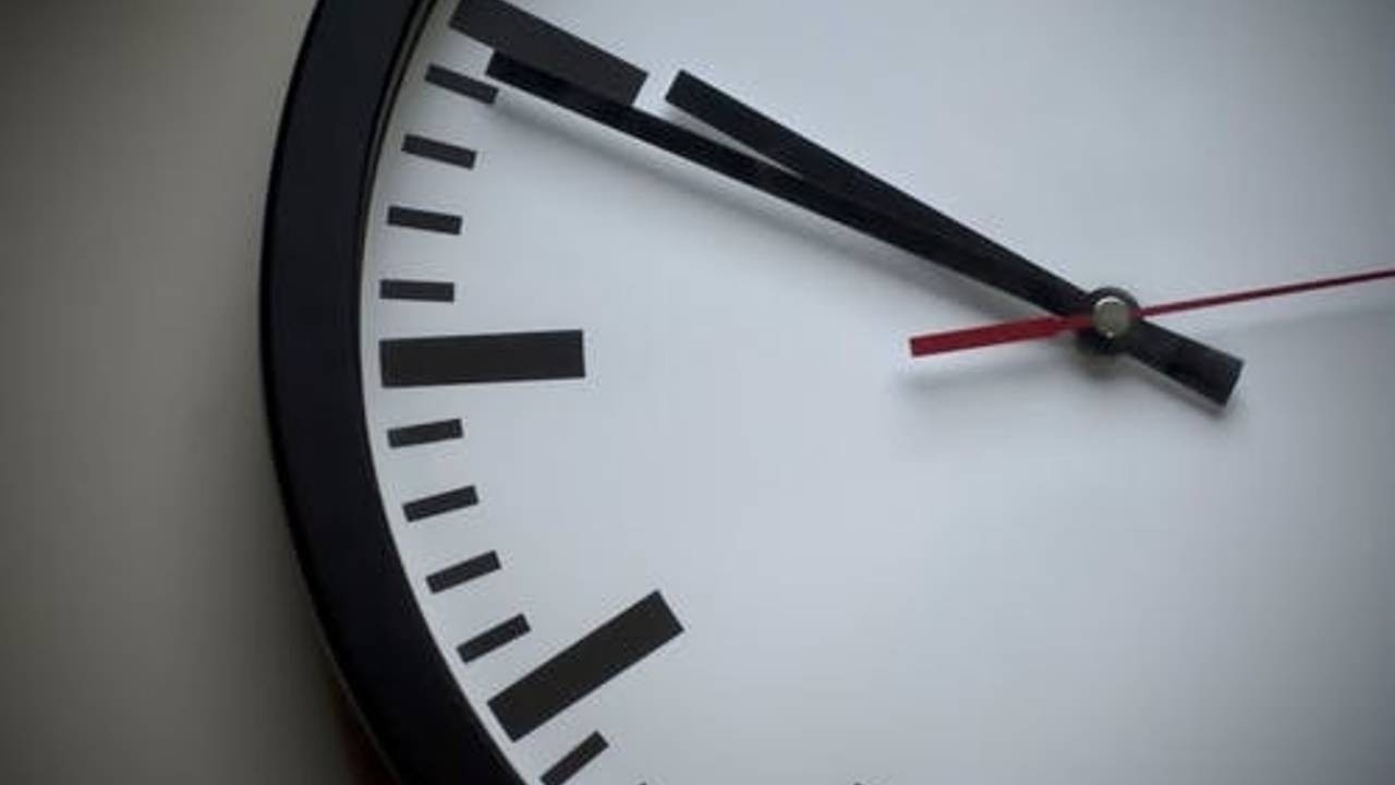Passage-Law-Clock