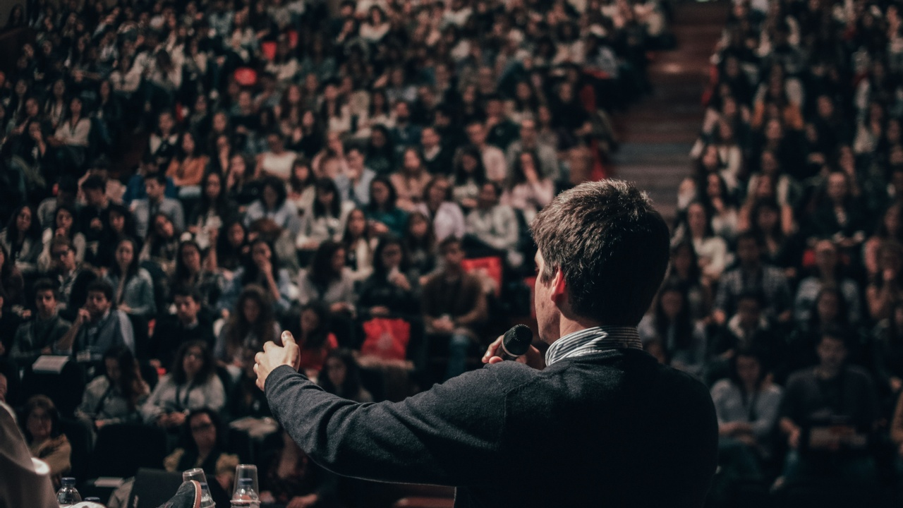 How To Be An Inspirational Speaker
