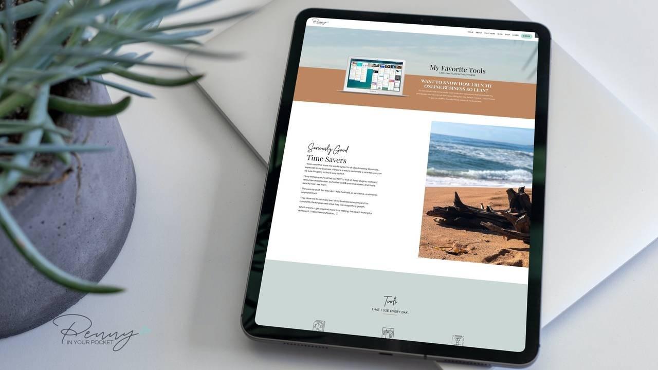 Amy Porterfield Digital Course Academy on laptop mockup