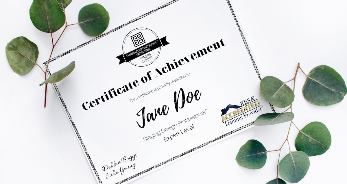 picture of an expert home staging certification