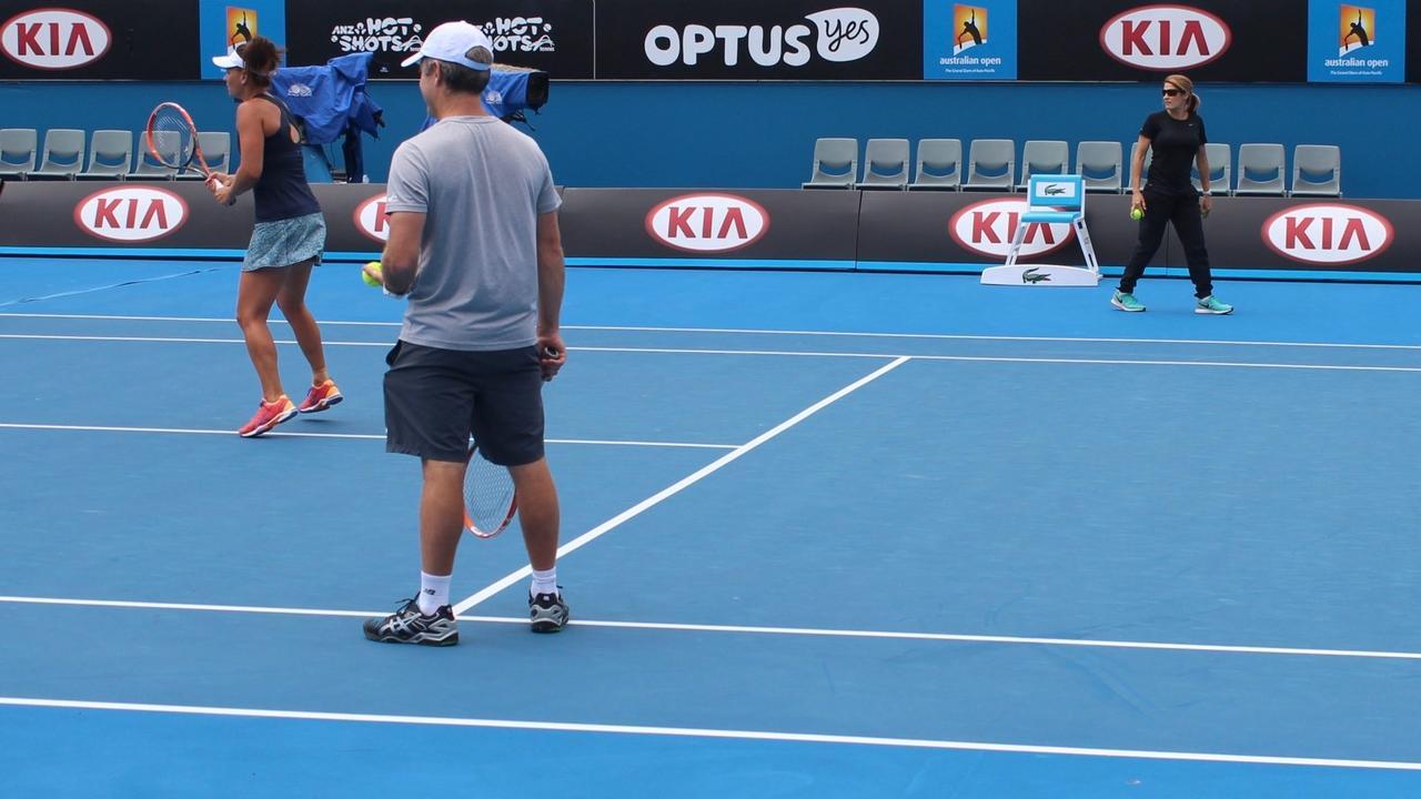 image of tennis court